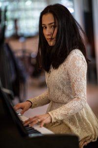 Lydie Solomon in concert at Enghien-les-Bains
