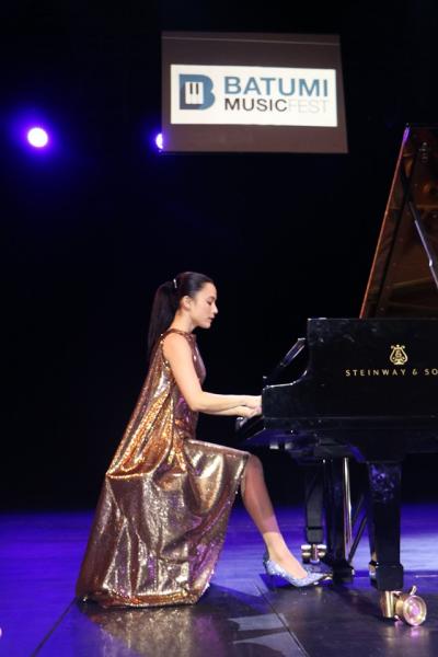 lydie-solomon-batoumi-2019-09-06-1